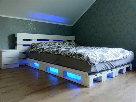 canapé lit avec matelas 6 effortless pallet bed designs at no cost 101 pallets