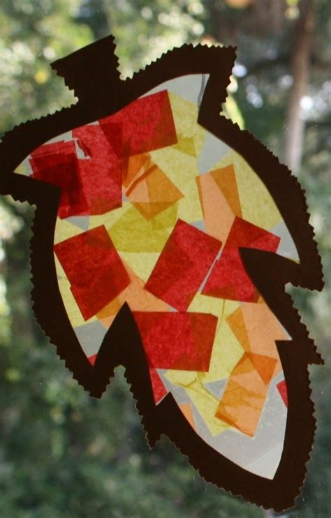 fall craft for toddlers and preschoolers leaf sun catcher 494 | b748bdc6d0636f45a96572c8b8d3aa6d fall crafts for toddlers easy fall crafts