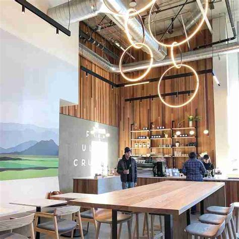 In celebration of national coffee day, we've rounded up a list of 12 of our favorite cofffee shops in the wonderful city of seattle. Best Coffee Shops in Seattle: Top Craft Coffee Spots in the City - Thrillist