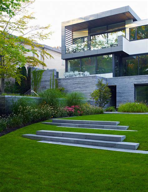 contemporary garden homes awarded contemporary home with beautiful garden in toronto canada freshome com