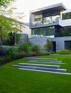 awarded contemporary home with beautiful garden in toronto With nice amenagement exterieur maison moderne 6 decoration entree de villa