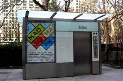 cadman plaza    cleaning public bathroom