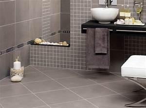 peinture salle de bains pour agrandir l39espace restreint With carrelage adhesif salle de bain avec petites bougies led