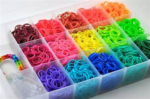 Rainbow Loom Bands 3000 Bands and Plastic Case 90 by Frasizzle
