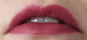 MAC Cosmetics Lipstick Shine - Capricious reviews, photos ...
