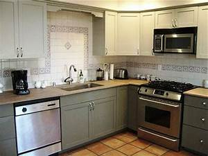 Refinishing kitchen cabinets to give new look in the for Kitchen cabinet refinishing
