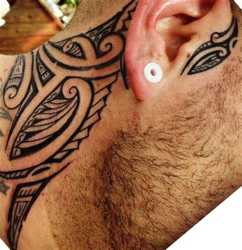tatouage cou homme tatouage polyn 233 sien cou