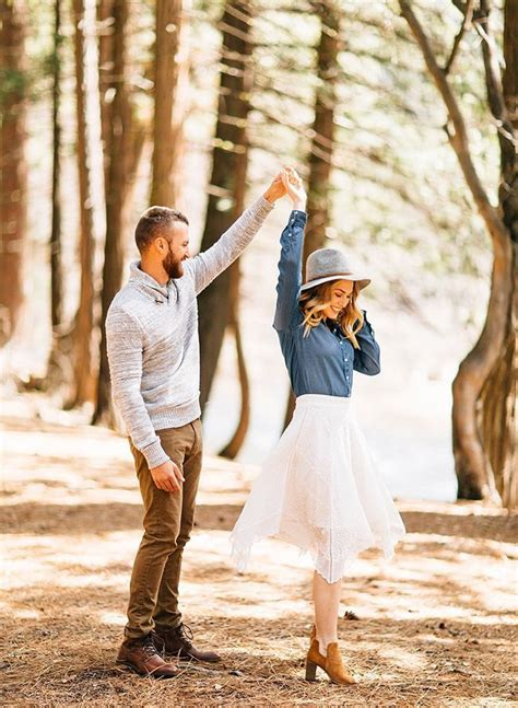 155 best Cute Engagement Photo Ideas images on Pinterest | Engagement ideas Engagement photo ...