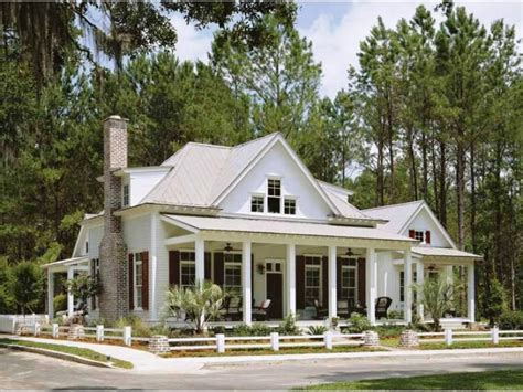 house plans with large front porch one story house plans with long front porch back side single large luxamcc