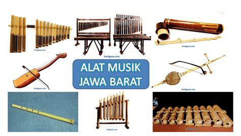 Angklung angklung adalah sebuah alat atau waditra kesenian yang terbuat dari bambu khusus yang ditemukan oleh bapak daeng sutigna sekitar tahun 1938. 45SNG: Gambar Alat Musik Tradisional Dari Jawa Barat