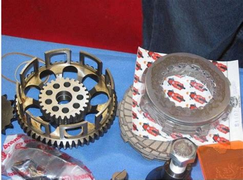 Different Kinds Of Clutches
