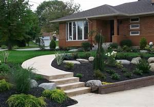 amenagement exterieur facade maison a sherbrooke profil With attractive jardin paysager avec piscine 10 amenagement exterieur