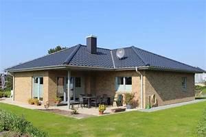 Fertighaus Aus Stein : ebenerdiges einfamilienhaus mit hellem stein thams h user ~ Frokenaadalensverden.com Haus und Dekorationen