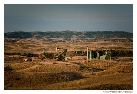 North Dakota Oil Well and Storage Facility