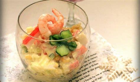 Receptes.lv - Krabju salāti ar garnelēm