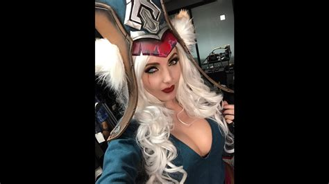 Sexiest League Of Legends Cosplay Ever