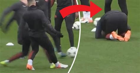 Man City fans look away – Sergio Aguero clutches ankle ...