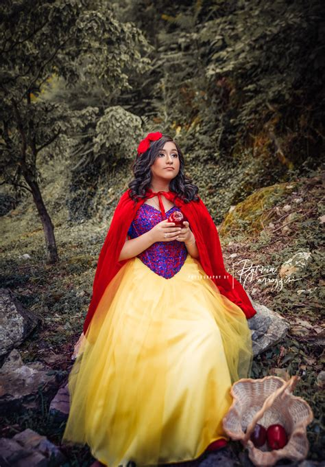 Lucianas Quinceañera Themed Photoshoot Snow White