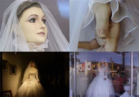 la pasqualita  chihuahua  wedding dress mannequin