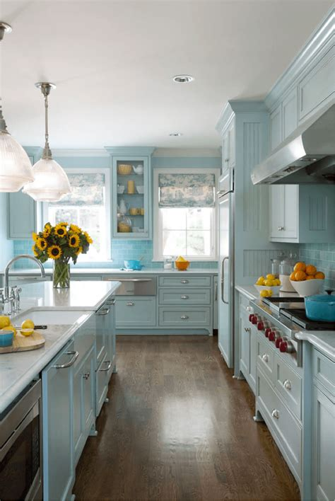 Decorating Ideas For Cottage Kitchen by 23 Best Cottage Kitchen Decorating Ideas And Designs For 2019