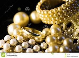 Jewelry: Gold And Pearls Royalty Free Stock Photos - Image ...