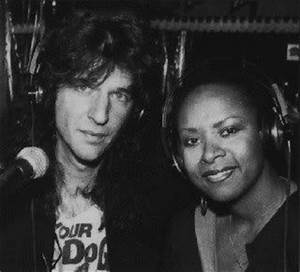 Robin quivers, Quiver and Robins on Pinterest