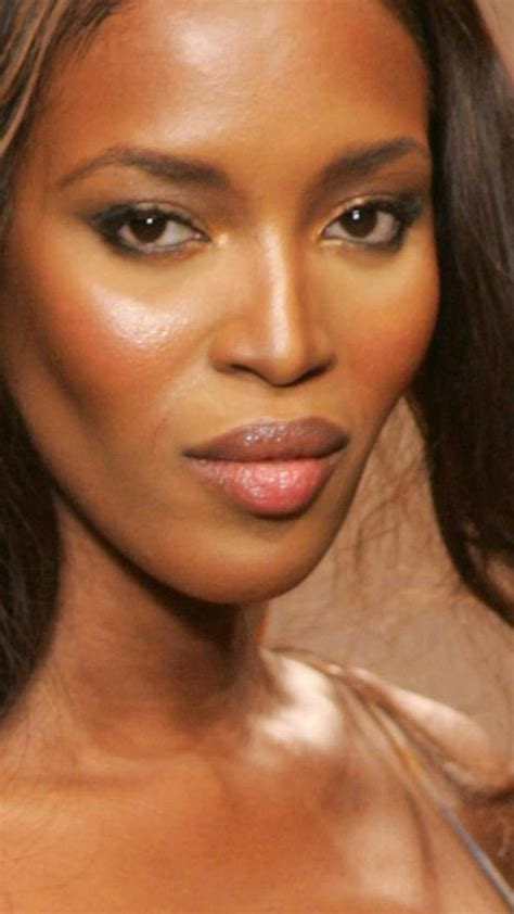 naomi campbell face wallpaper