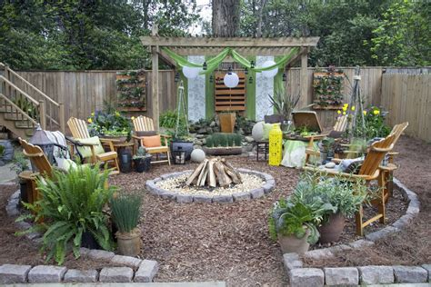 Country Kitchen Wall Decor Ideas - bungalow landscape design landscape rustic with vertical garden patio furniture wood fencing