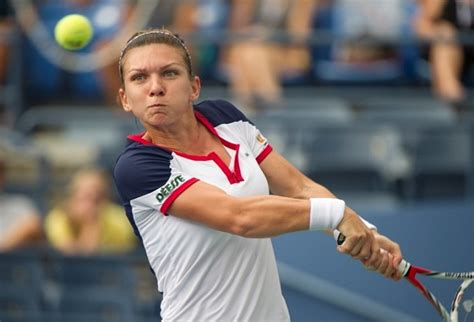 Simona Halep's breast reduction surgery helped her career | Larry Brown Sports