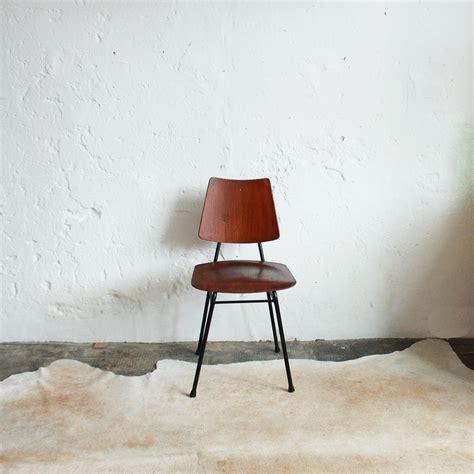 chaise danoise chaise style ilmari tapiovaara vintage atelier du petit parc