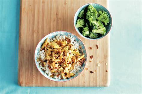 romige kip korma met broccoli recept allerhande albert heijn