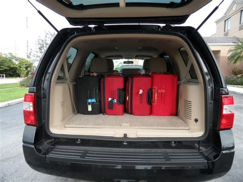 ford expedition xlt  massive luggage space rear