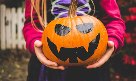 Helovīns tuvojas - idejas kreatīviem rotājumiem ...