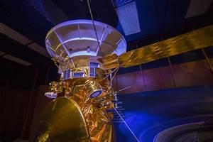 Cassini readies final plunge into Saturn