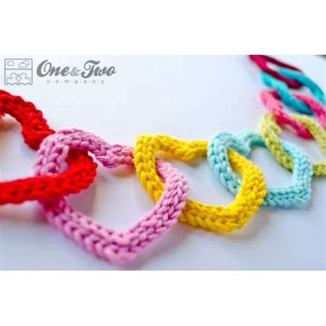 garland  colorful hearts crochet pattern