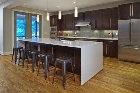 prairie style kitchen cabinets this modern kitchen in a recently built modern prairie 4383
