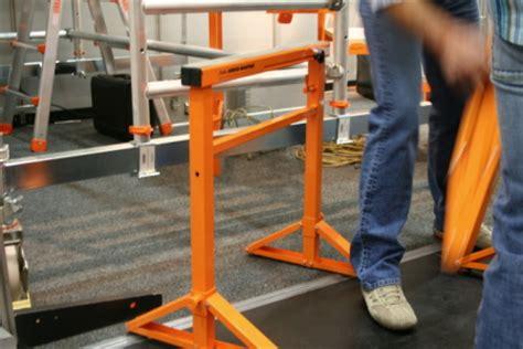 gerüst für treppenhausrenovierung ger 195 188 st f 195 188 r kleinere h 195 182 hen bauunternehmen