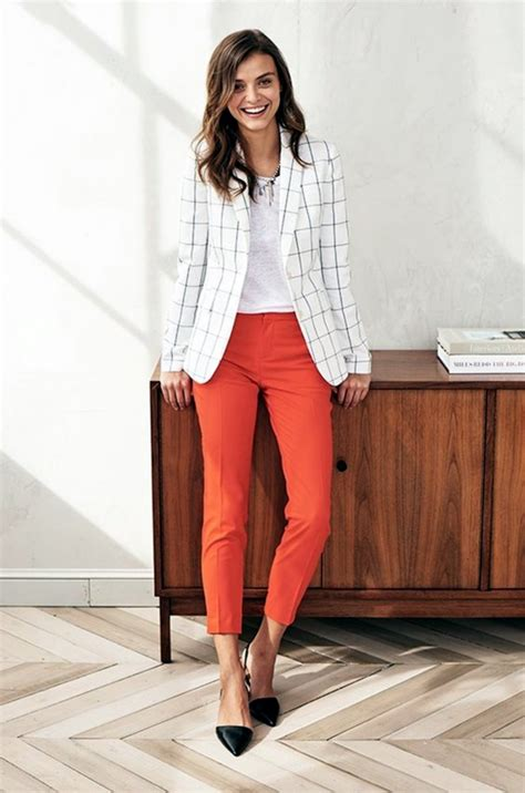 Casual and comfy work outfits inspiration with flats (15) - Fashionetter