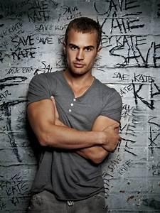 Divergent/Insurgent Star, Theo James: MANSLICE MONDAY ...