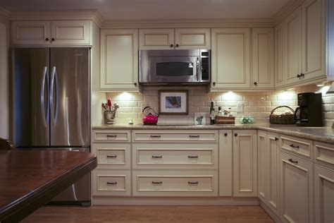 Baton Rouge Kitchen Cabinets For Kitchen Remodeling From