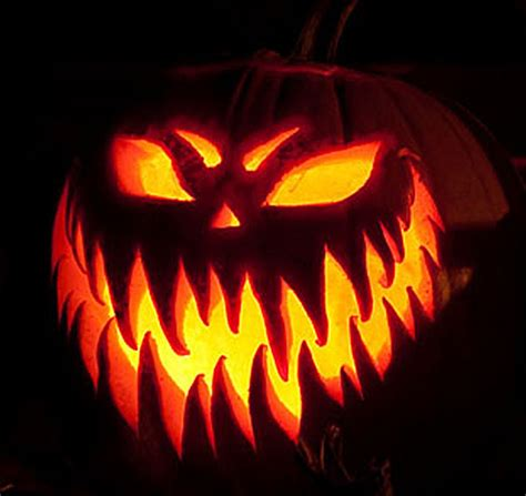 20 Most Scary Halloween Pumpkin Carving Ideas & Designs