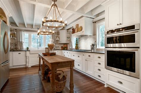 chandeliers in kitchens islands choosing chandeliers for a traditional kitchen 8125