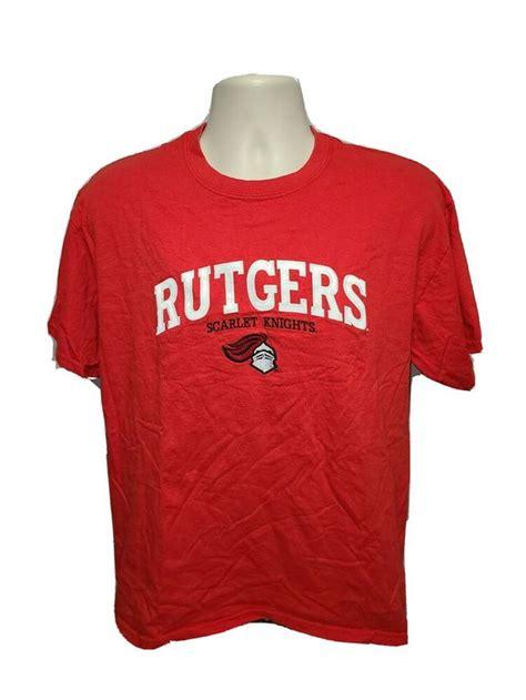 Пин на доске College T-Shirt