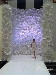 Mur De Fleurs : d corer votre c r monie la que avec des fleurs en papier the c r monie ~ Farleysfitness.com Idées de Décoration