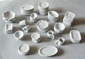 Lot De Vaisselle Pas Cher : vaisselle de porcelaine design en image ~ Teatrodelosmanantiales.com Idées de Décoration