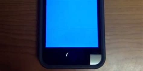blue screen on iphone iphone 5s users report seeing the dreaded blue screen of