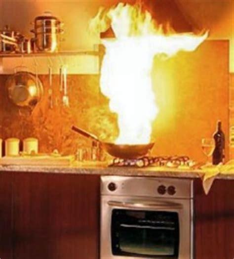 friteuse et cuisine quelques astuces pour éviter les feux de cuisson