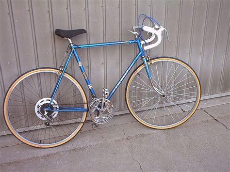 Vintage Peugeot Road Bike by 1977 Peugeot Road Bike Bikes Road Bike
