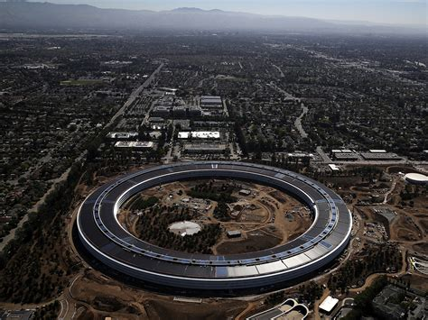 Apples Headquarters New Pictures by Apple S New Spaceship Cus Has A Flaw