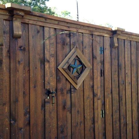 wood gates texas  stain